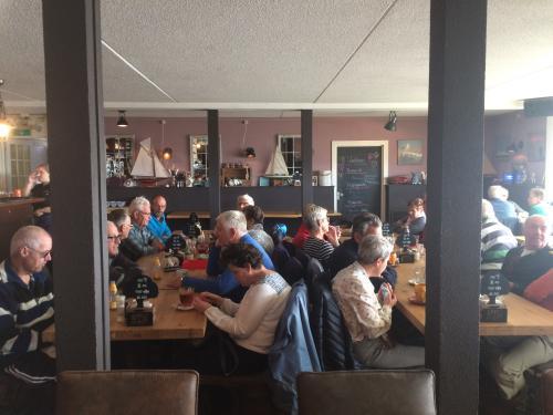 De lunchpauze was bij restaurant De Zeester aan de Oosterschelde.