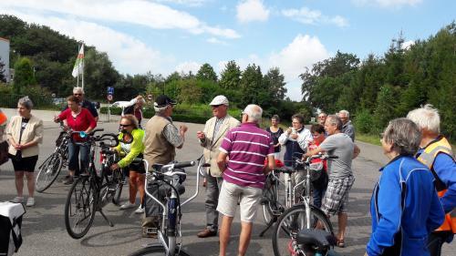 Vudb-stop tijdens de tocht die Geert en Mientje, rechts op de foto, voor ons hebben uitgezet