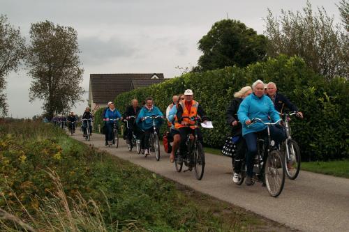 Het Vigetapeloton onderweg tijdens de Brabantse Walroute van Piet Brocatus