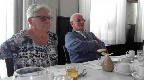 Nellie (links) 3n Kees Otte van Stichtin Ons Zeelsnd