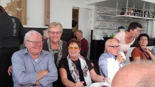 Van links naar rechts: Man van Lenie, Truus, Lenie, Wim Brocatus, Rimus, Elly en Ineke