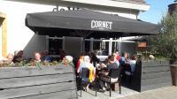 Lekker lunchen op het terras van De Watertoren in Steenbergen