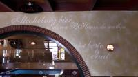 Mooie tekst aan de muur bij Fraans Marie