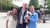 Willeke en Marja wilde ook graag op de foto samen met Mark en zijn Koala beertje