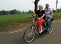Ger met zijn voorrijdster tijdens de tocht vanuit Lepelstraat.