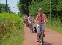 Een gedeelte van de deelnemers aan deze tocht. Voorop Joke met Kitty daarachter zijn Corrie en Marcel nog herkenbaar